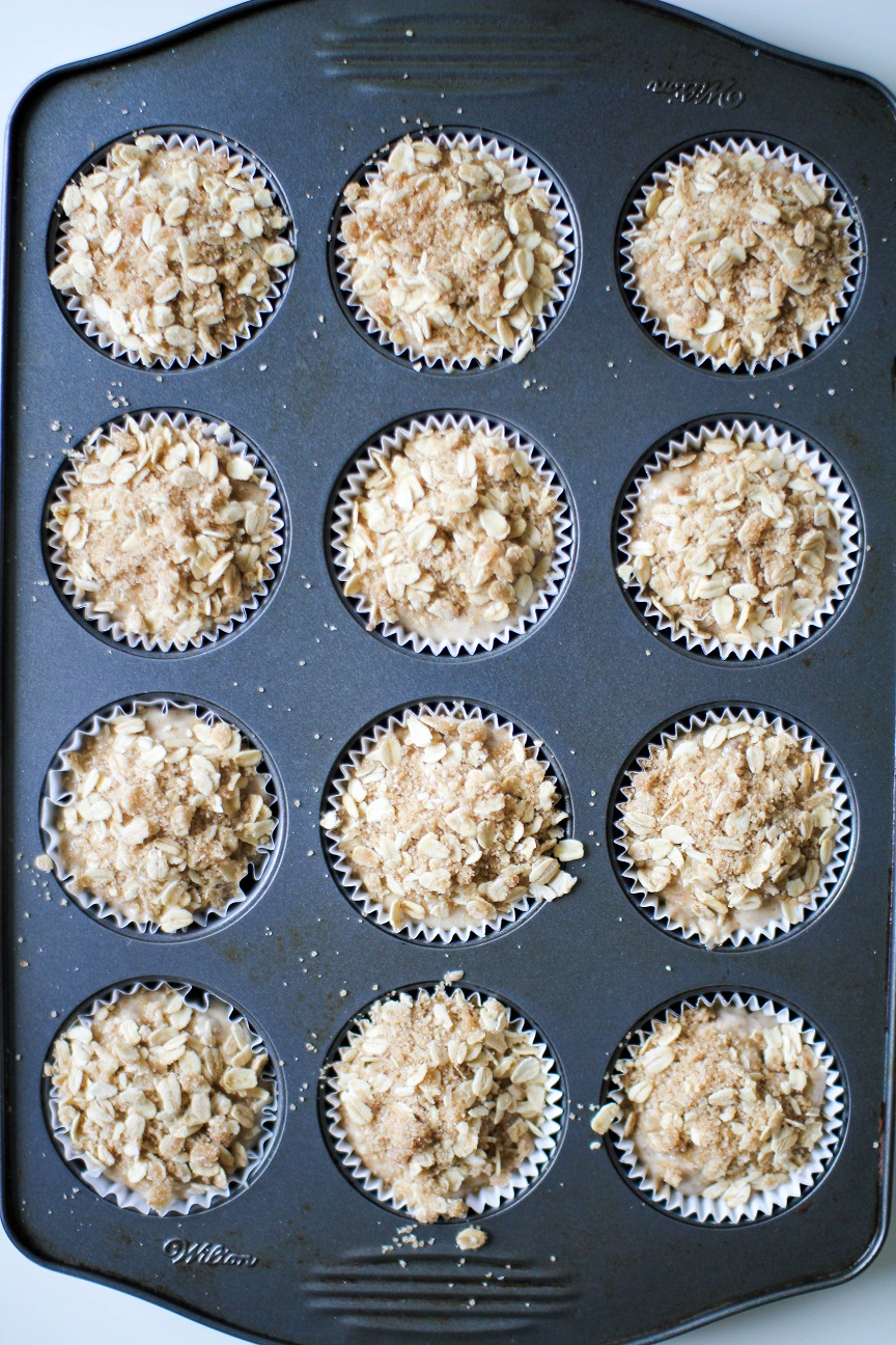 Vegan Banana Nut Muffins with Oat topping- Recipe Righter